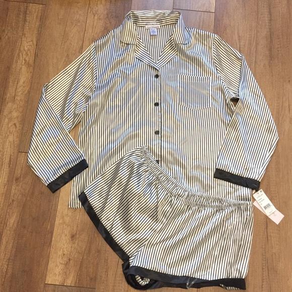 8b09cc8b55 LINEA DONATELLA Pajamas Set Button Top Shorts XL